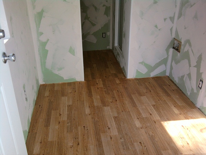 Glued flooring